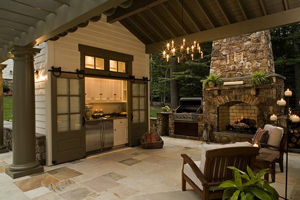 Outdoor Kitchens Blur Home-yard Line