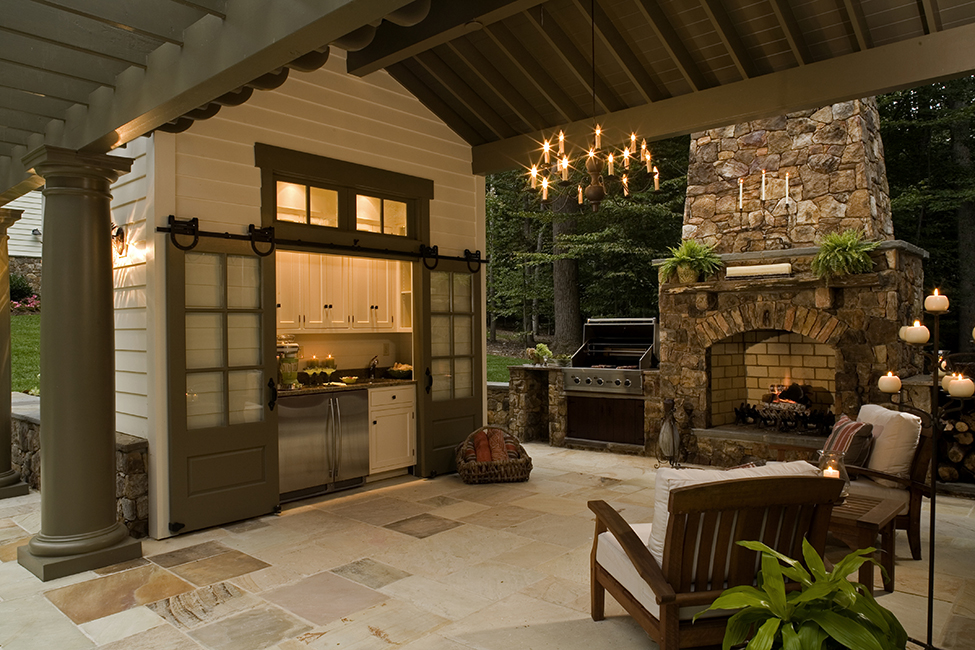 Outdoor Kitchens Blur Home-yard Line